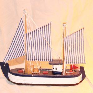 Model vissersbootje 8 cm